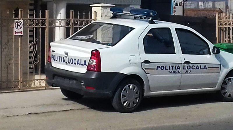 Poliţia locală, razie în trafic. Şoferi sancţionaţi pentru că au parcat neregulamentar