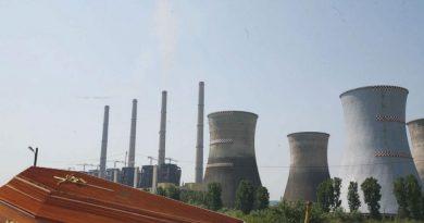 Angajaţii din Complexul Energetic Oltenia au ajuns să moară la vârste incredibile. CE se întâmplă la CEO – de unde vine presiunea pe umerii salariaţilor?