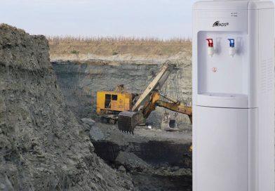 """Vor """"fierbe"""" minerii în cariere vara asta? Unde sunt dozatoarele de apă şi frigiderele?"""