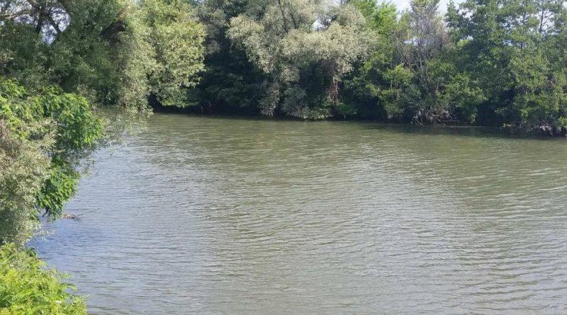 Bărbat, de 76 de ani, din Bumbești-Jiu, găsit mort în râul Jiu