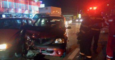 Doi răniți într-un accident rutier la Târgu Jiu