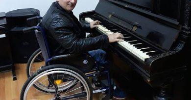 O persoană în scaun cu rotile, umilită la angajare, de Ziua Internaţională a Persoanelor cu Dizabilităţi