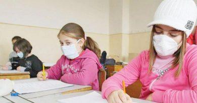 Copiii și profesorii, trimiși netestați la școală – se văd deja efectele!