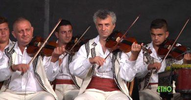 200 de instrumente la 2.000 de locuitori din Arcani
